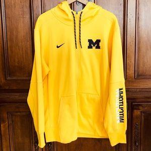 Nike U of M Performance Hooded Sweatshirt XL